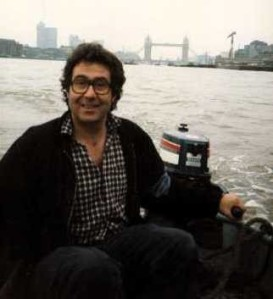 Malcolm Hardee on the Thames (photo by Steve Taylor)