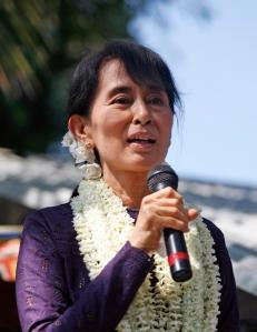 Aung San Suu Kyi addresses a political meeting