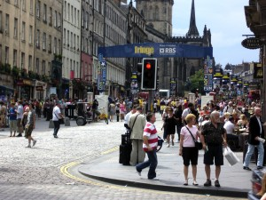 The Royal Mile during Edinburgh Fringe, 2008