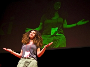 Katerina performs her show in Thessaloniki  (Photograph by Sofia Camplioni)