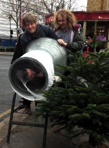Greenwich Christmas tree netting 2