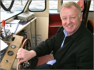 Les Dennis on Cardiff Bay in 2010. But does he fart? (Photograph by Ben Salter/Wikipedia)