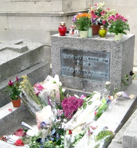 Jim Morrison's grave sans cigarettes (Photo by Suzanne GW)