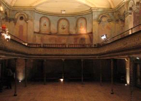 Wilton's Music Hall still puts on shows