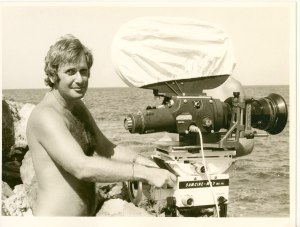 Peter Medak directing Ghost of the Noonday Sun