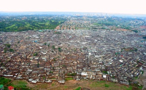 Kibera in Nairobi, Kenya (Photo by Schreibkraft)