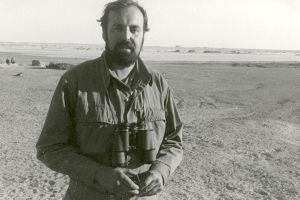 A younger Maurizio Tosi in one of the deserts he frequented